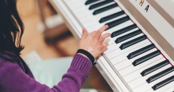 Best Piano for Kids: A Suitable Piano for a Young Virtuoso