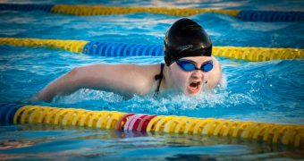 Is Swimming in a Pool During Safe During Pregnancy?